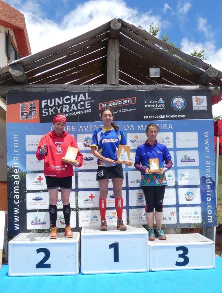 podio fem 22km